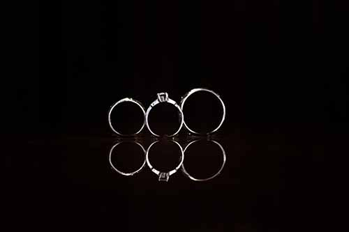 3 rings touching